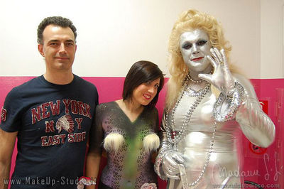 body painting Izzi all'Art Club - gruppo
